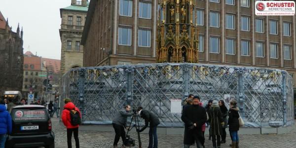 XXL-Digitaldruck - Digitaldruck-Banner am Schönen Brunnen in Nürnberg während der Sanierung